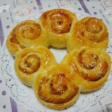 莲蓉花环面包的做法