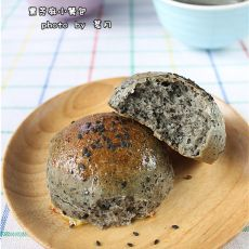 黑芝麻小餐包――秋季滋补秀发的面包