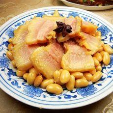 咸猪头肉炖黄豆的做法
