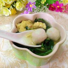 菠菜鸡蛋鱼丸汤的做法