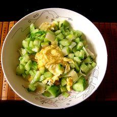黄瓜丁炒蛋