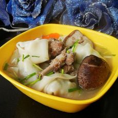 香菇排骨汤馄饨