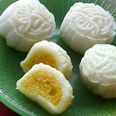 芒果椰蓉冰皮月饼
