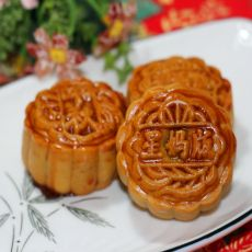 豆沙板栗月饼