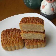 奶香莲蓉月饼