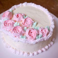 奶油裱花蛋糕