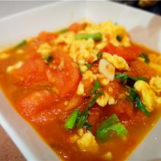 西红柿青蒜炒鸡蛋的做法