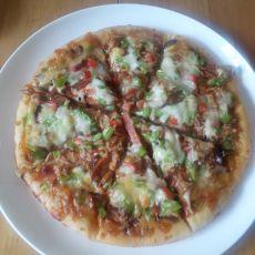 金枪鱼火腿披萨