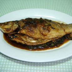 酸菜烧三线鱼