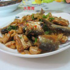 萝卜干炒腊鱼
