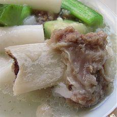 丝瓜牛骨汤煮年糕
