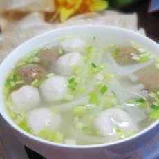 白萝卜丝鱼丸汤