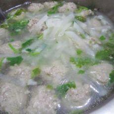 萝卜汆羊肉丸子汤