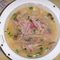 清炖鲫鱼萝卜汤