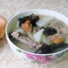 白萝卜黑木耳炖烤鸭架子汤