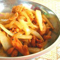 白萝卜炒鸡腿肉