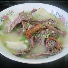 烤鸭架子萝卜汤