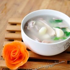 大蒜猪肚汤的做法