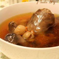 桂圆枸杞鸽子汤的做法