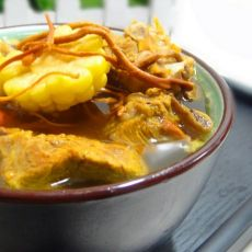虫草花玉米排骨汤的做法