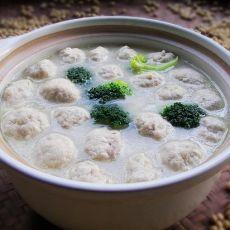 豆腐丸子鱼汤煲