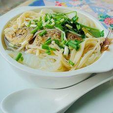 鲜美金针菇鱼汤