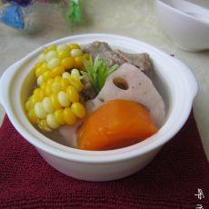 莲藕玉米龙骨汤的做法