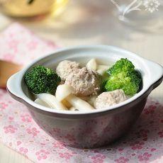 海鲜菇丸子汤