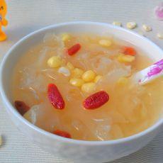 鲜玉米银耳羹的做法