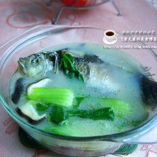 鲫鱼青菜汤的做法