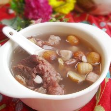 土茯苓莲子猪骨汤的做法