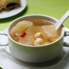 银耳竹荪莲子汤