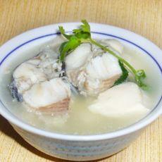 生鱼豆腐汤