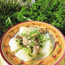 清水羊骨煮萝卜