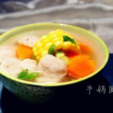胡萝卜玉米肉丸汤的做法