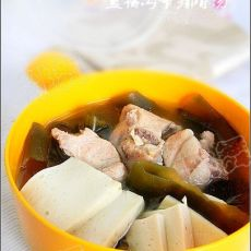 豆腐海带排骨汤的做法