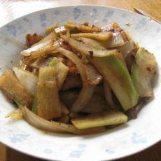 萝卜肉炒圆葱