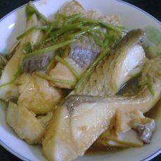芹菜焖草鱼腩