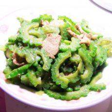 快手小菜——苦瓜炒肉的做法