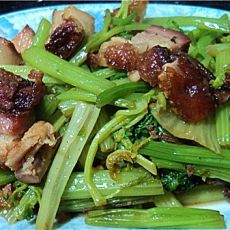 烧肉炒芹菜的做法
