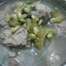毛豆苦瓜排骨汤的做法