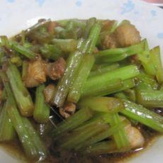 芹菜炒五花肉片