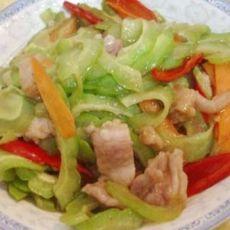 苦瓜辣椒炒肉片