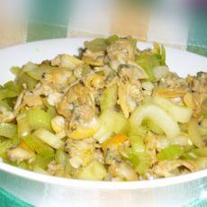 贝肉炒芹菜粒