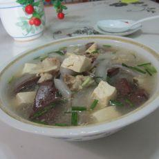 猪骨粉皮豆腐猪血汤的做法