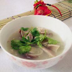补中益气暖胃——胡椒猪肚汤的做法