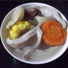 花胶猪肚玉米汤的做法