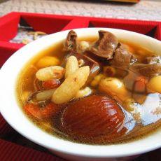 麦冬芡实炖猪心汤