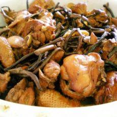茶树菇炖三黄鸡