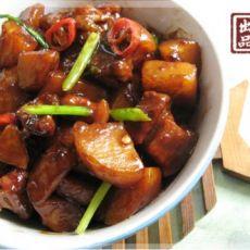 蚝油土豆焖五花肉